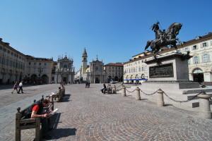 1371-Turin_piazza_san_carlo_2009
