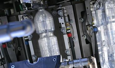 SACE e Assocomaplast a favore dei produttori di macchinari per la lavorazione della plastica