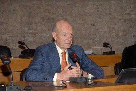 Credemholding: utili a 124, 2 mln di euro (+8,3%) A/A