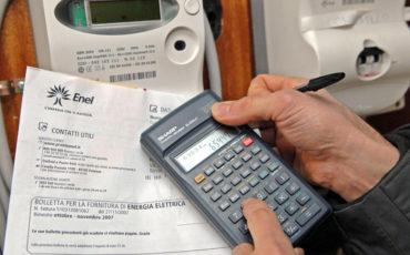 Per il terziario cala la bolletta elettrica (-7,2%) e del gas (-13,3)