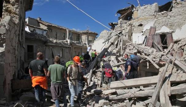 Intesa Sanpaolo stanzia 250 mln per i danni del terremoto