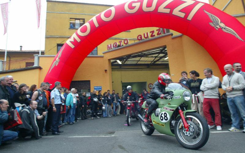 Guzzi festeggia i suoi 95 anni con 25mila fan