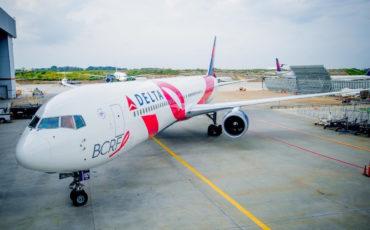 Delta fa volare Pink Plane a sostegno della lotta al tumore al seno