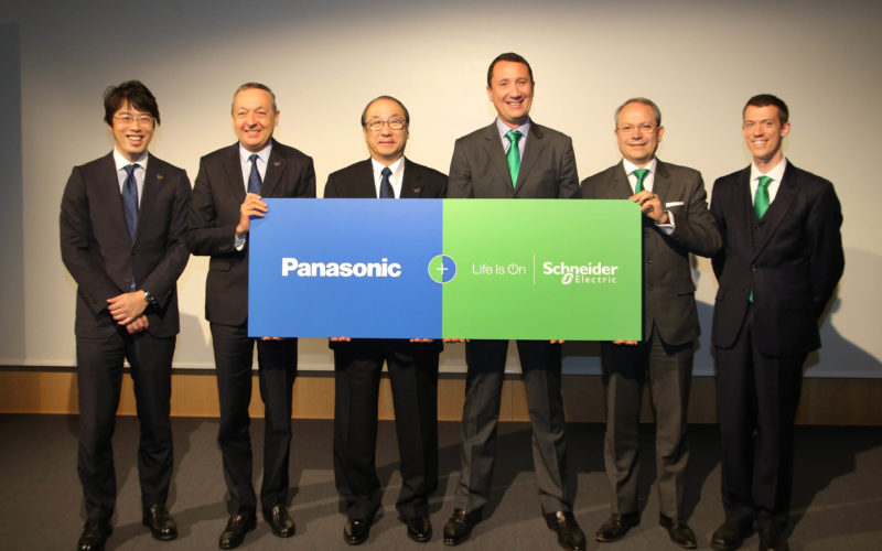 Schneider Electric diventa partner di Panasonic
