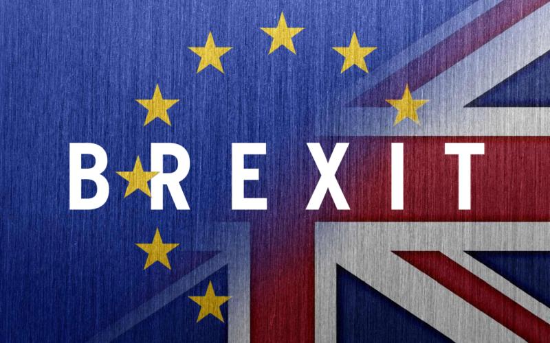 Brexit: un sondaggio non penalizza May. Tory al 43%