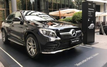 Stella SUV Mercedes in tour a Milano