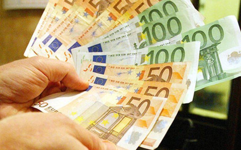 Milletrecento miliardi di euro nelle banche italiane. Il salvadanaio di aziende e famiglia