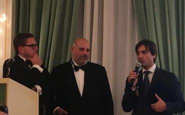 Tom Ponzi, Premio Orgoglio Italiano, compie 60 anni