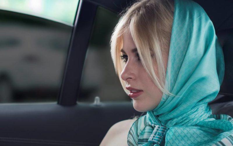 Twins il ferma foulard che prima non c'era