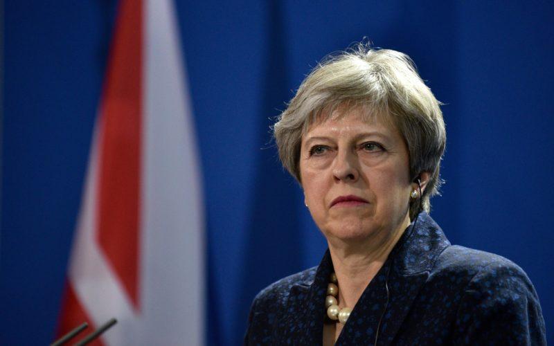 Theresa May plaude l'investimento di Equinix a Londra