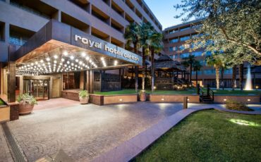 Monrif fa cassa. In vendita il Royal Hotel Carlton di Bologna