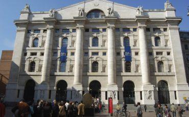 Contagi in Lombardia, la Borsa a picco