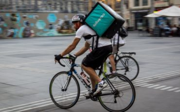 Deliveroo si adegua alle disposizioni governative