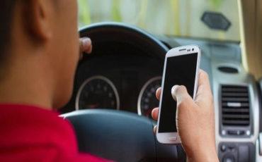 Ford intervista gli studenti: il 57% chatta o è ubriaco al volante