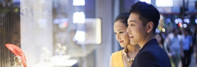 Cinesi al centro dei consumi occidentali